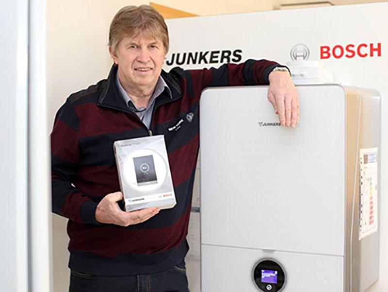 Bernd elmers in der Ausstellung